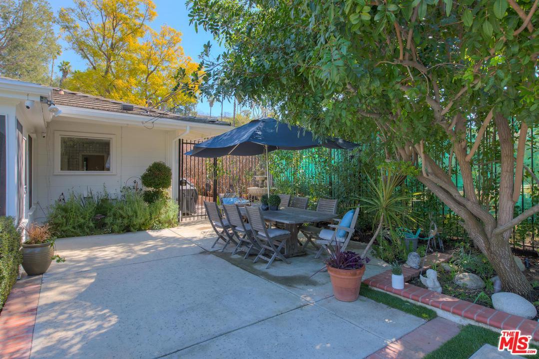 16454 GARVIN, Encino, CA 91436
