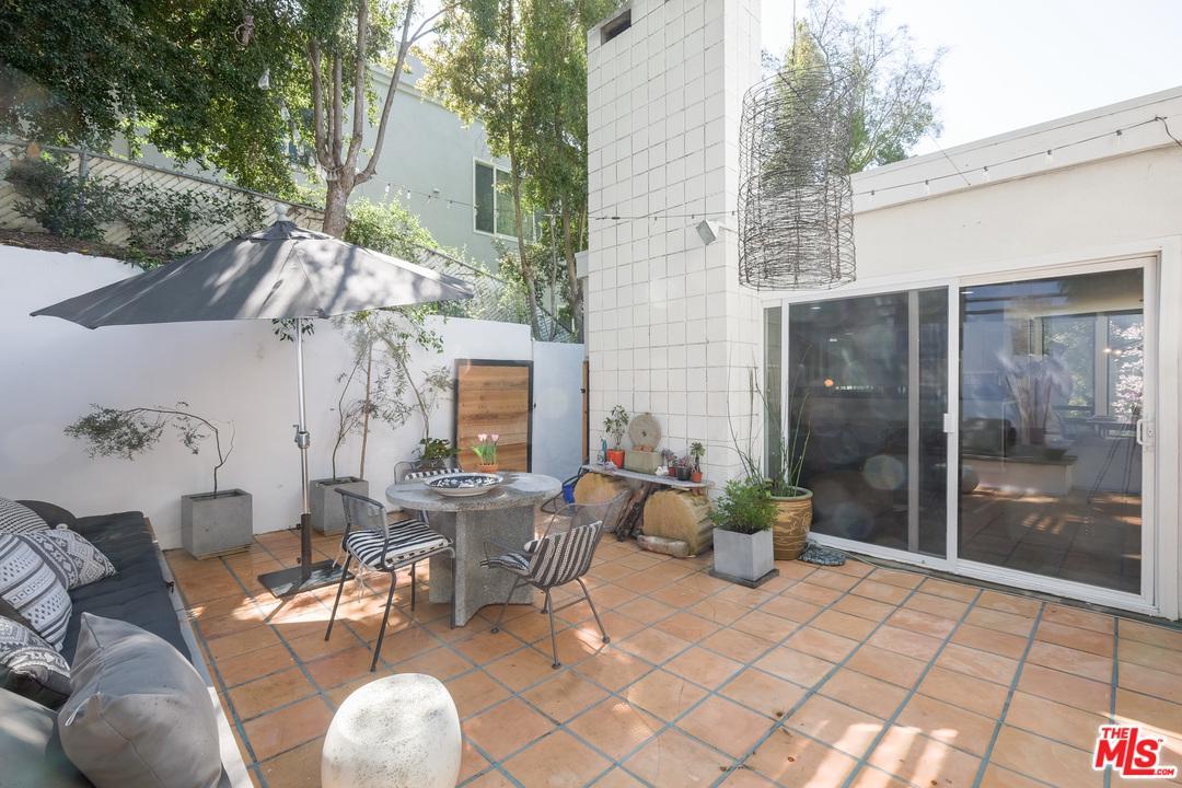 3324 OAKLEY, Los Angeles (City), CA 90068