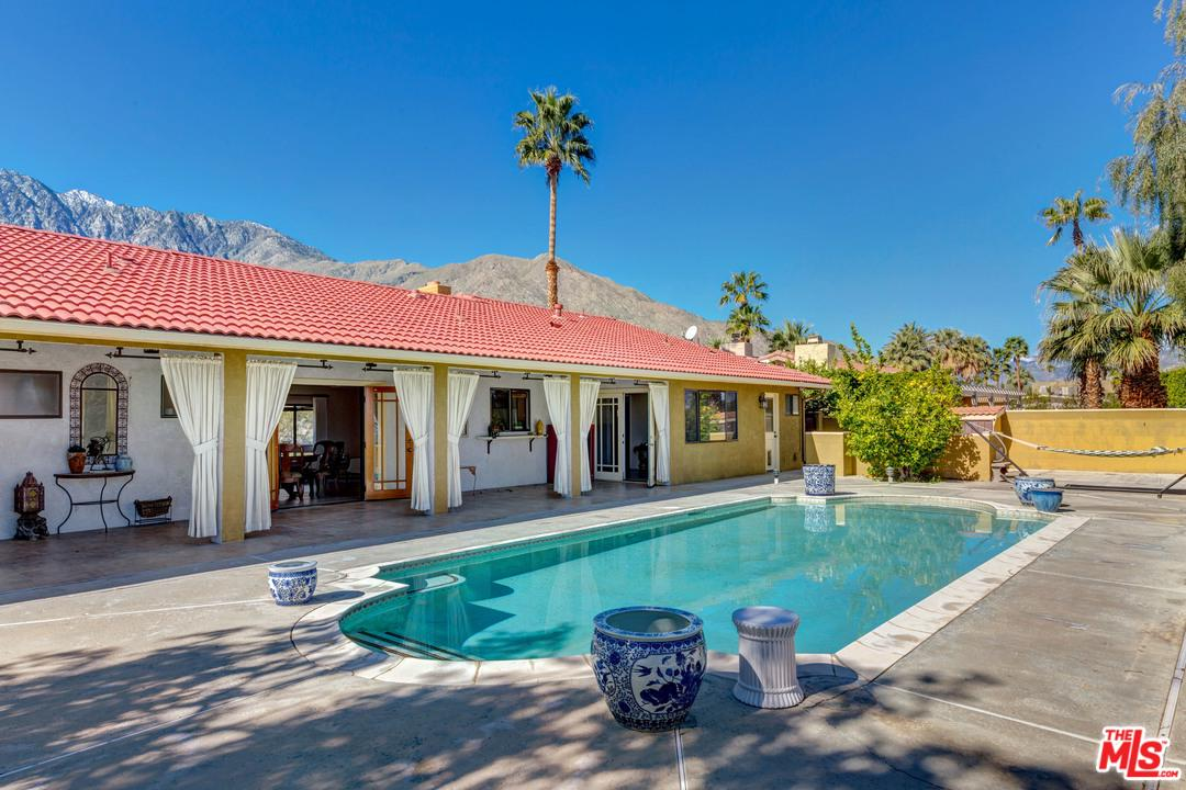 2712 VISTA GRANDE, Palm Springs, CA 92262