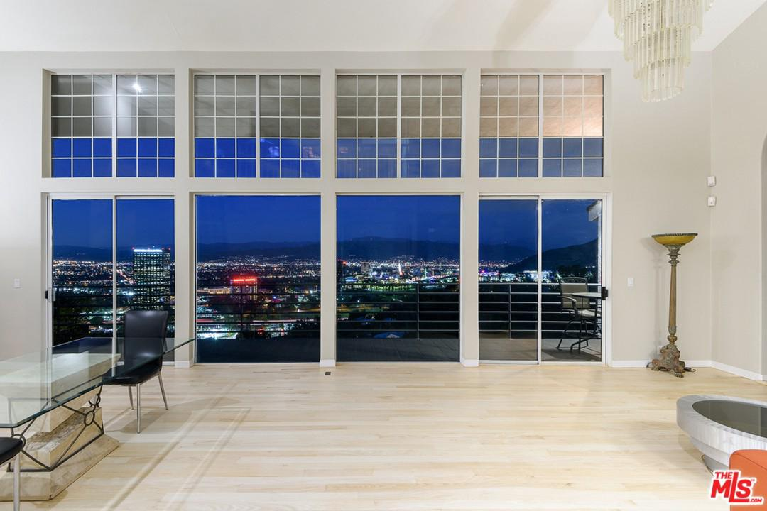 3533 MULTIVIEW, Los Angeles (City), CA 90068