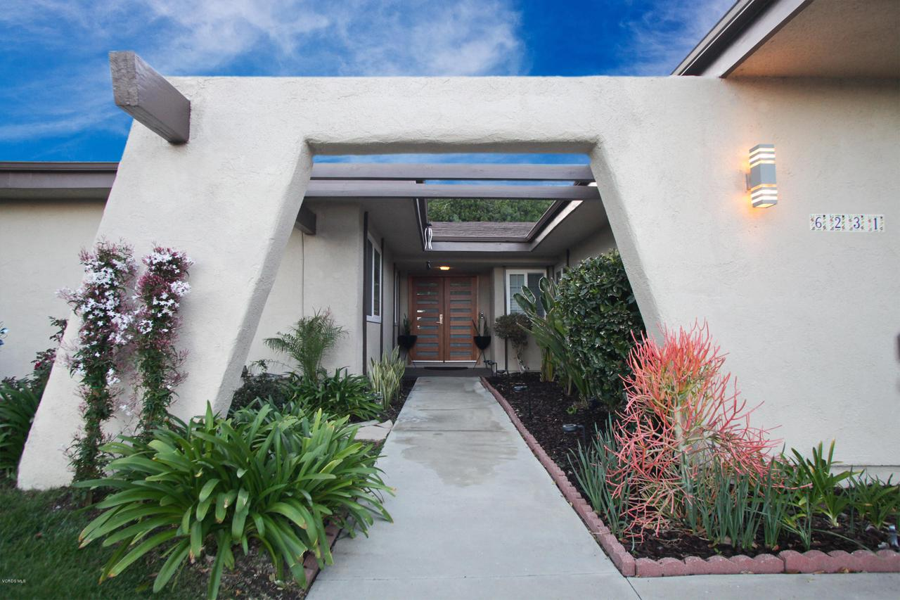 6231 PAT, West Hills, CA 91307 - FrontEntrance