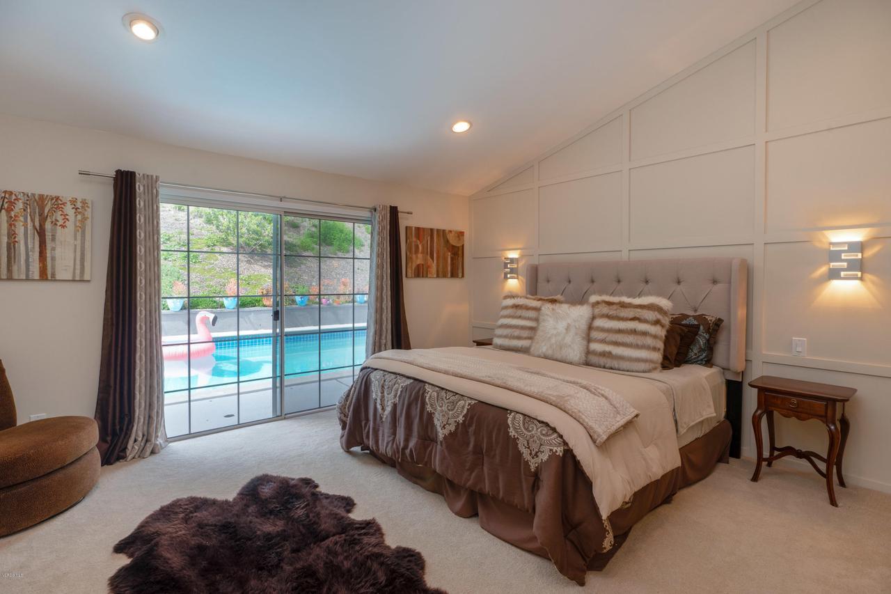 6231 PAT, West Hills, CA 91307 - Master Suite