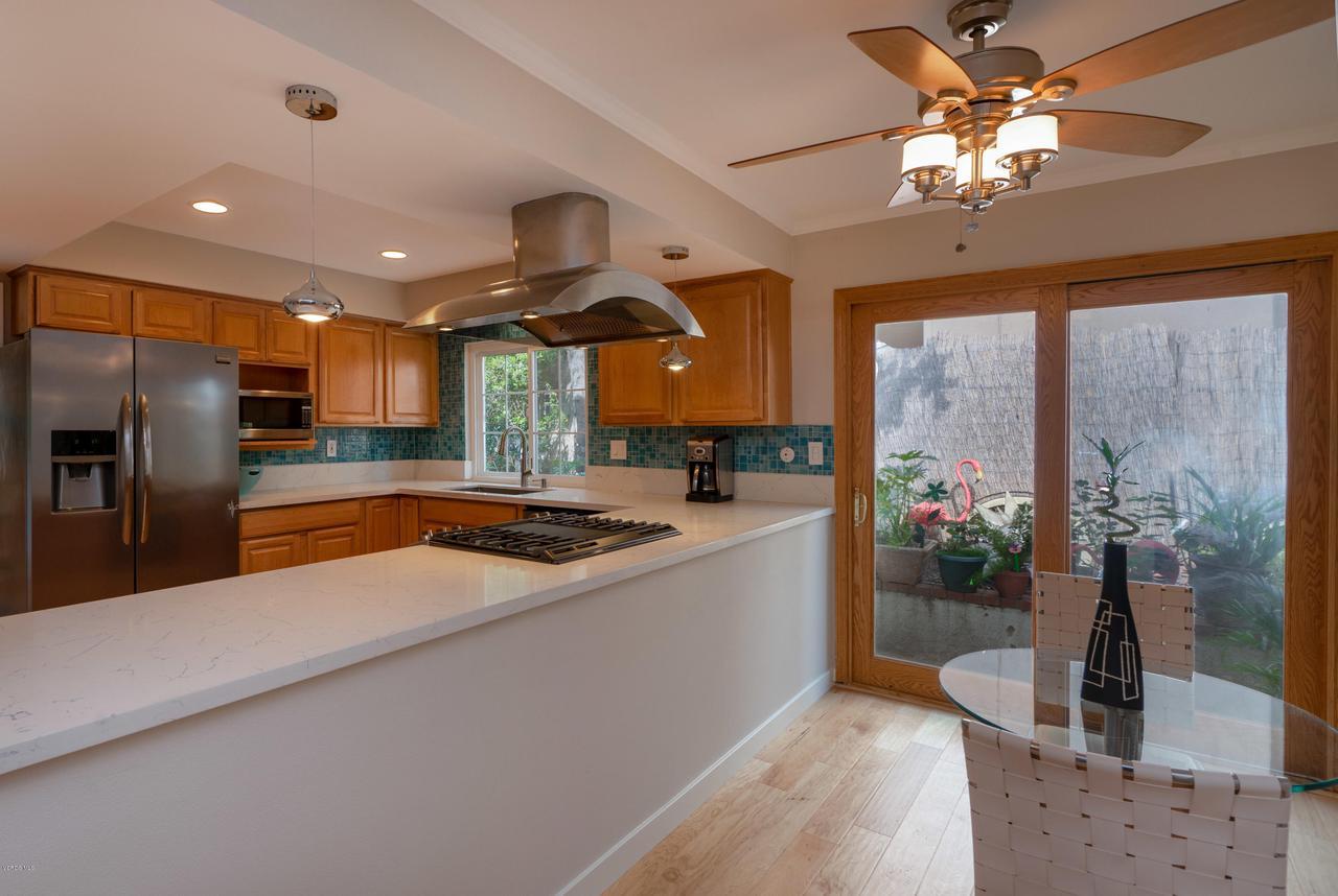 6231 PAT, West Hills, CA 91307 - Breakfast Nook to Kitchen