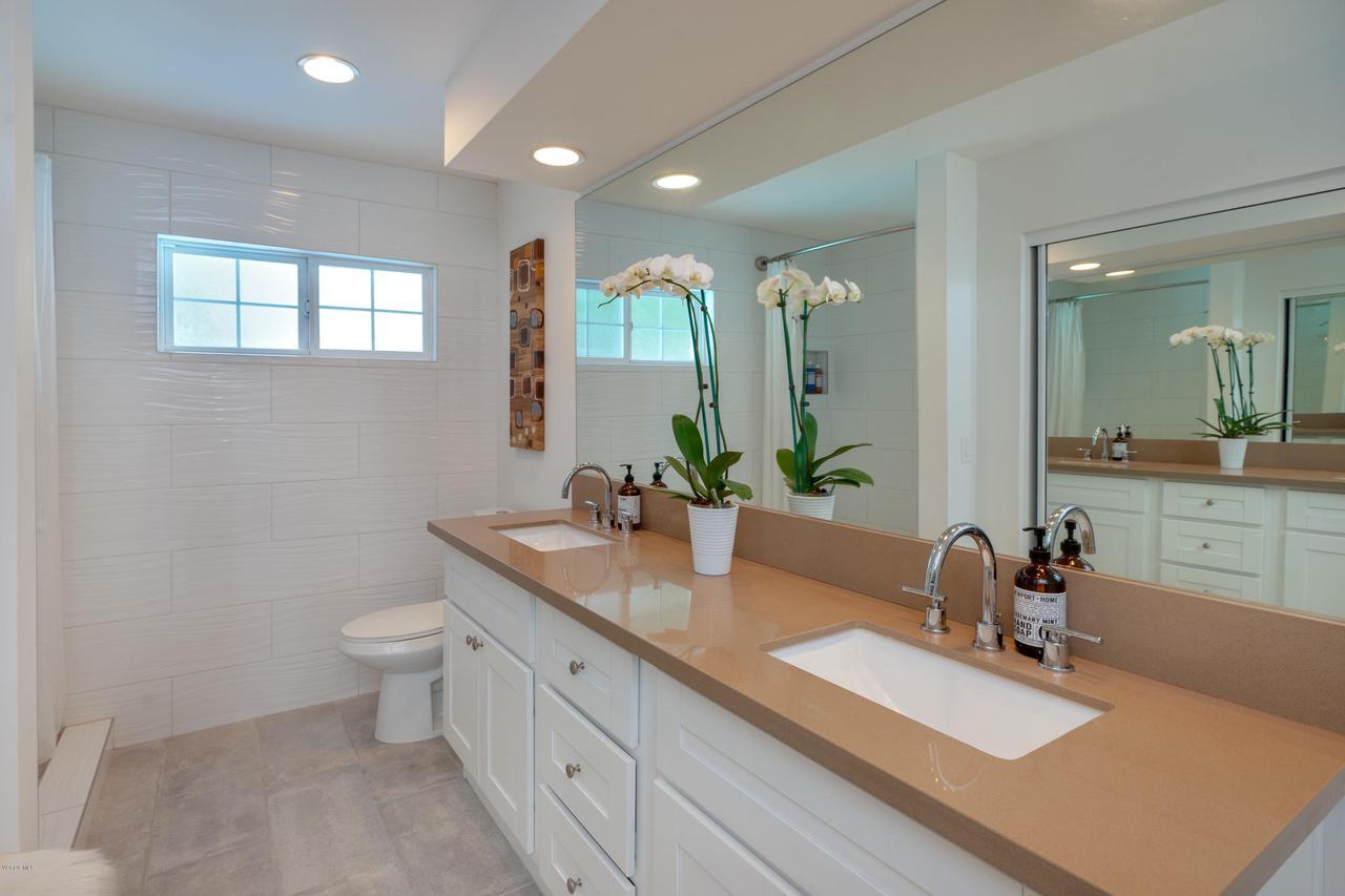 6231 PAT, West Hills, CA 91307 - Master Bath