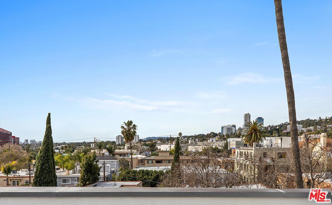 928 CROFT, Los Angeles (City), CA 90069
