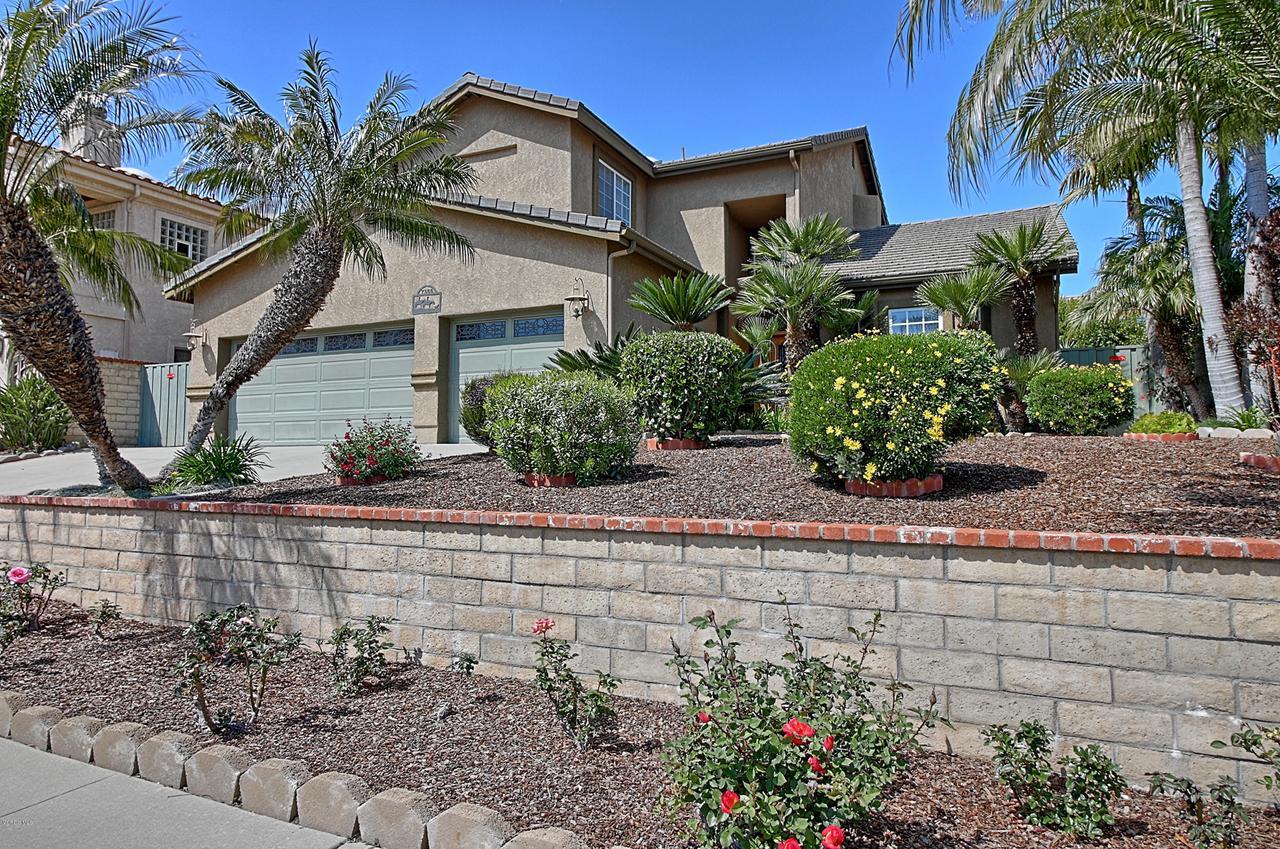 7355 LOMA VISTA, Ventura, CA 93003 - Front yard