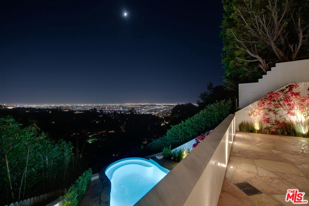 9240 ROBIN, Los Angeles (City), CA 90069