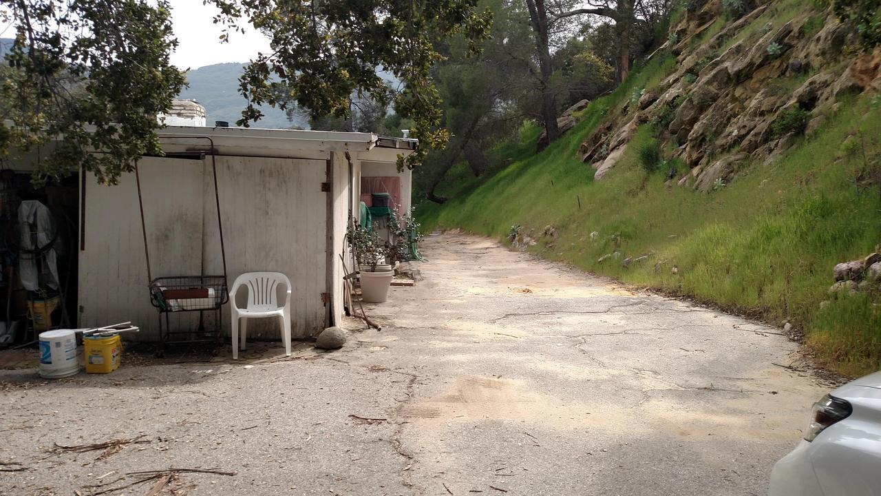 24761 MULHOLLAND, Calabasas, CA 91302 - Mulholland11
