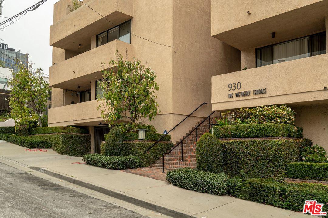 930 WETHERLY, West Hollywood, CA 90069