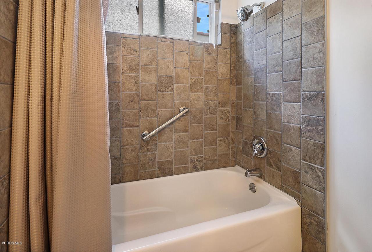 5161 WOODLEY, Encino, CA 91436 - jHall Bath2