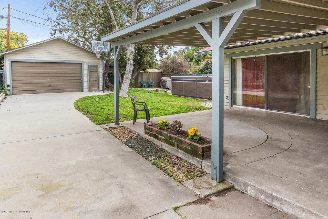 1014 PALM, Pasadena, CA 91104 - w.19-0301.rear_driveway-garage-patio