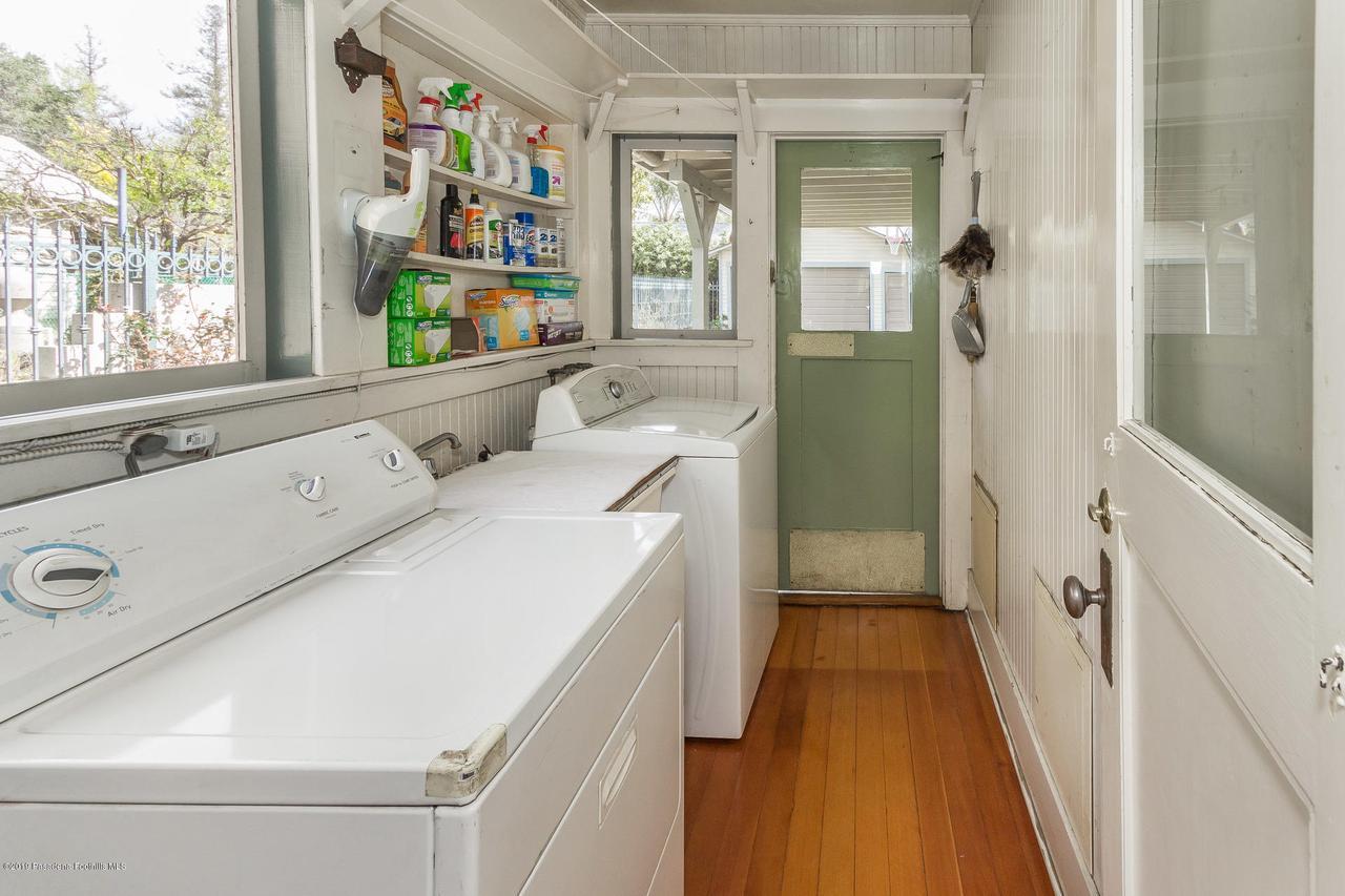 1014 PALM, Pasadena, CA 91104 - w.19-0301.laundry-porch