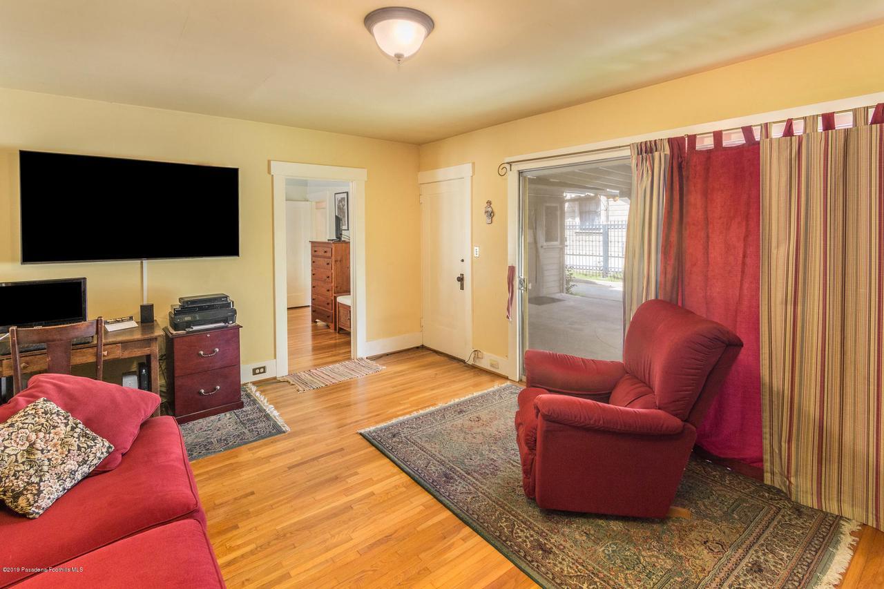 1014 PALM, Pasadena, CA 91104 - w.19-0301.family-room_b_1