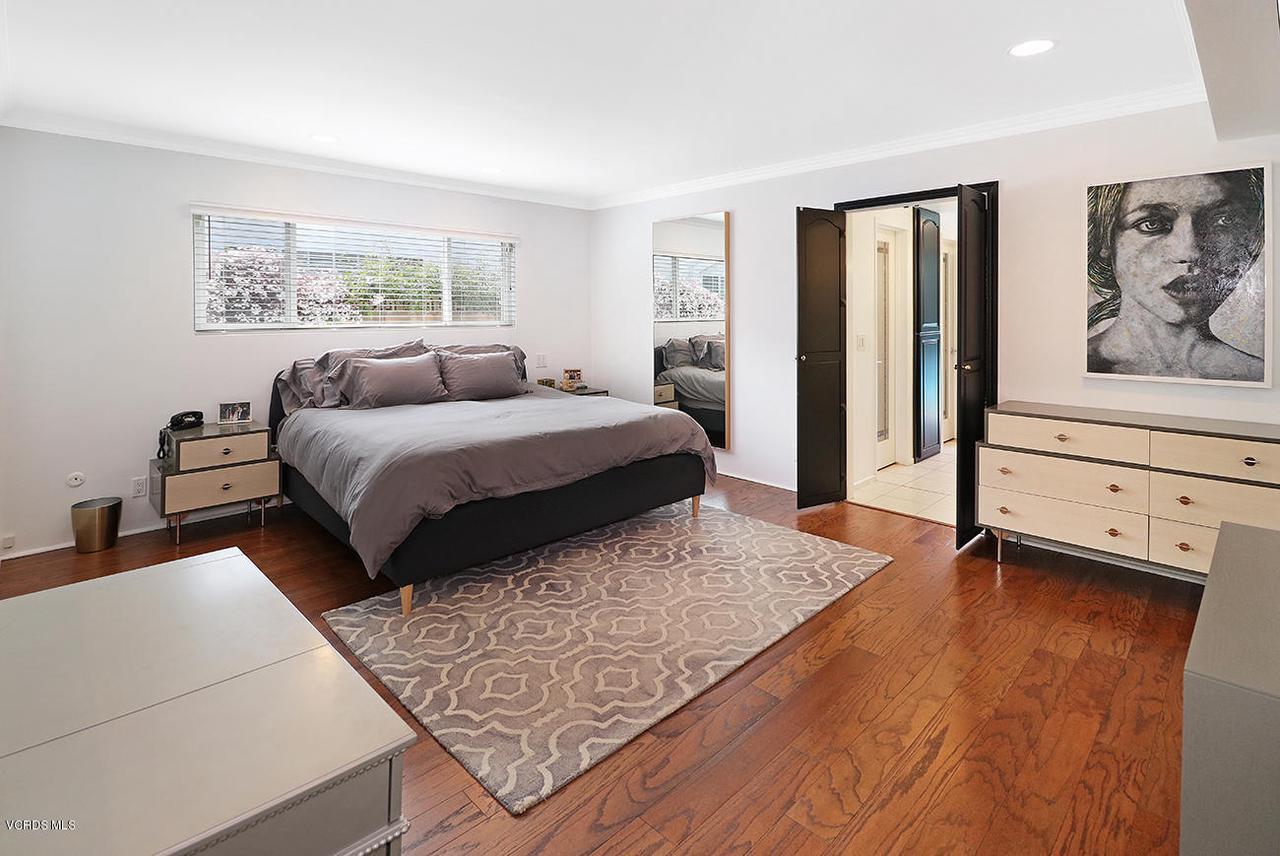5161 WOODLEY, Encino, CA 91436 - lMaster Suite1