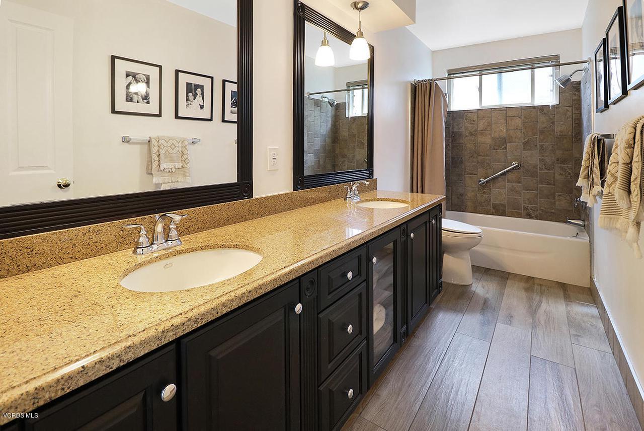 5161 WOODLEY, Encino, CA 91436 - jHall Bath1