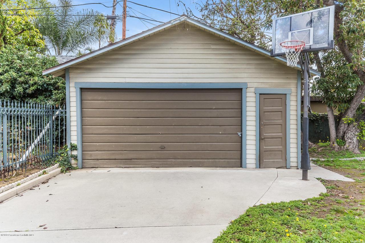 1014 PALM, Pasadena, CA 91104 - w.19-0301.garage