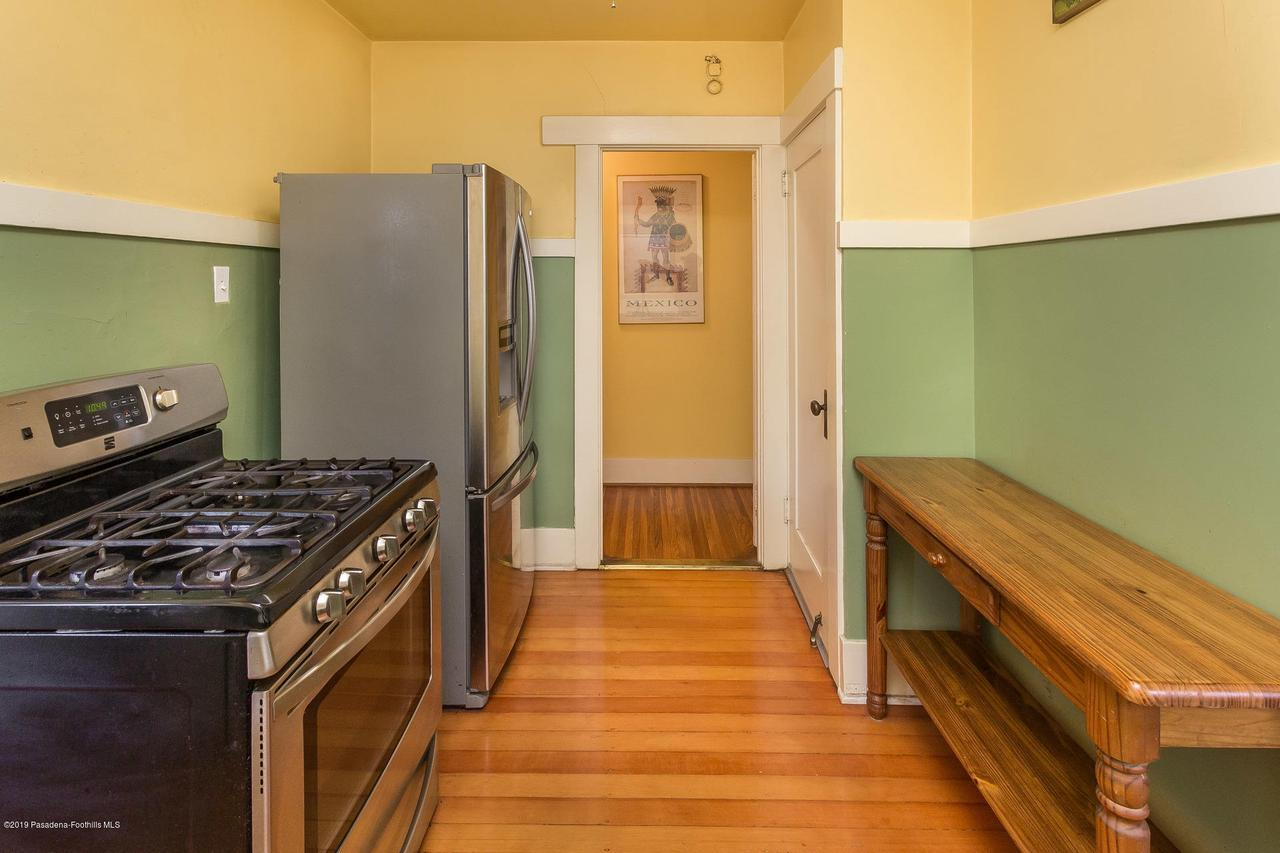 1014 PALM, Pasadena, CA 91104 - w.19-0301.kitchen_c