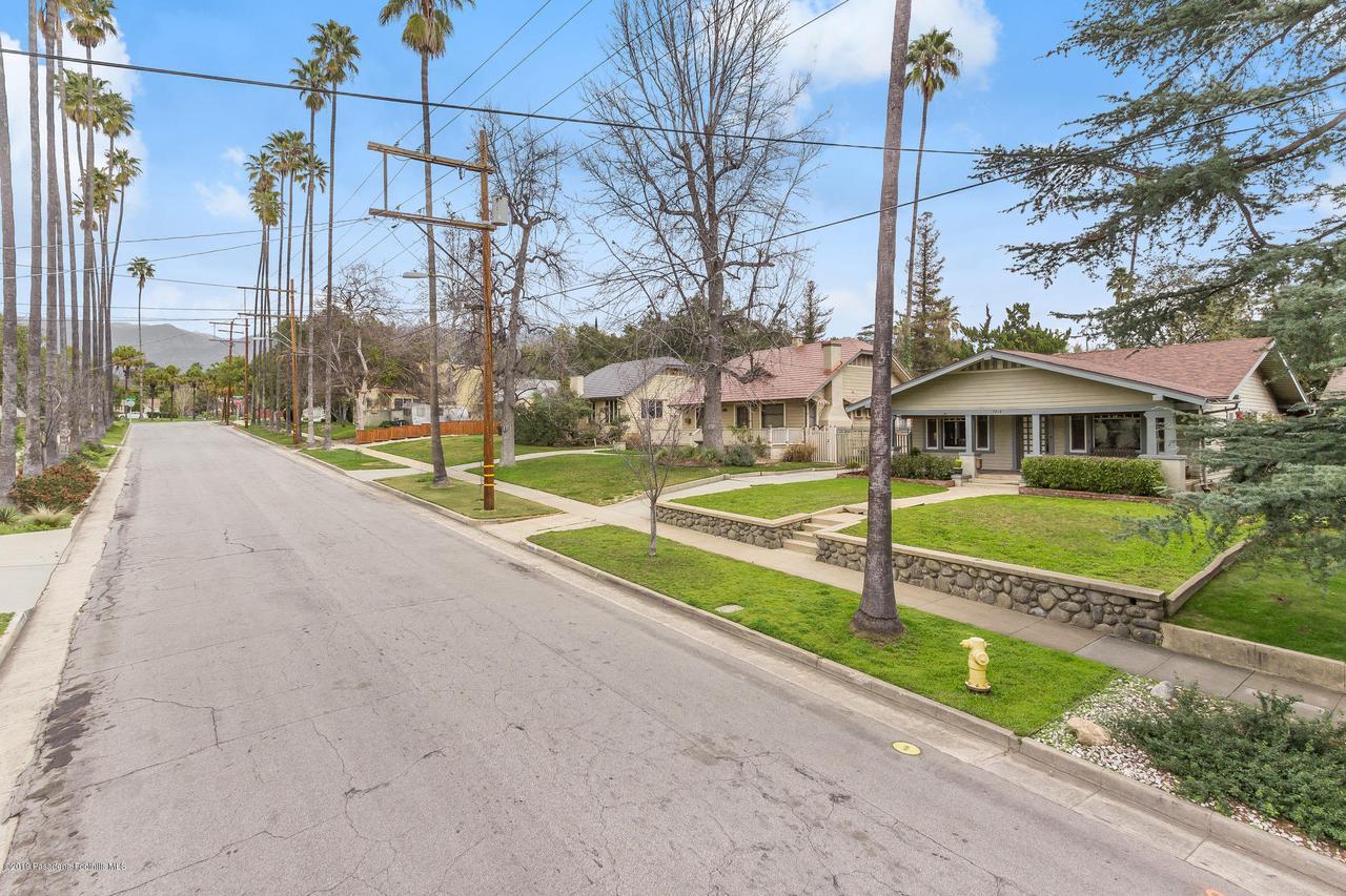 1014 PALM, Pasadena, CA 91104 - r.19-0301.street