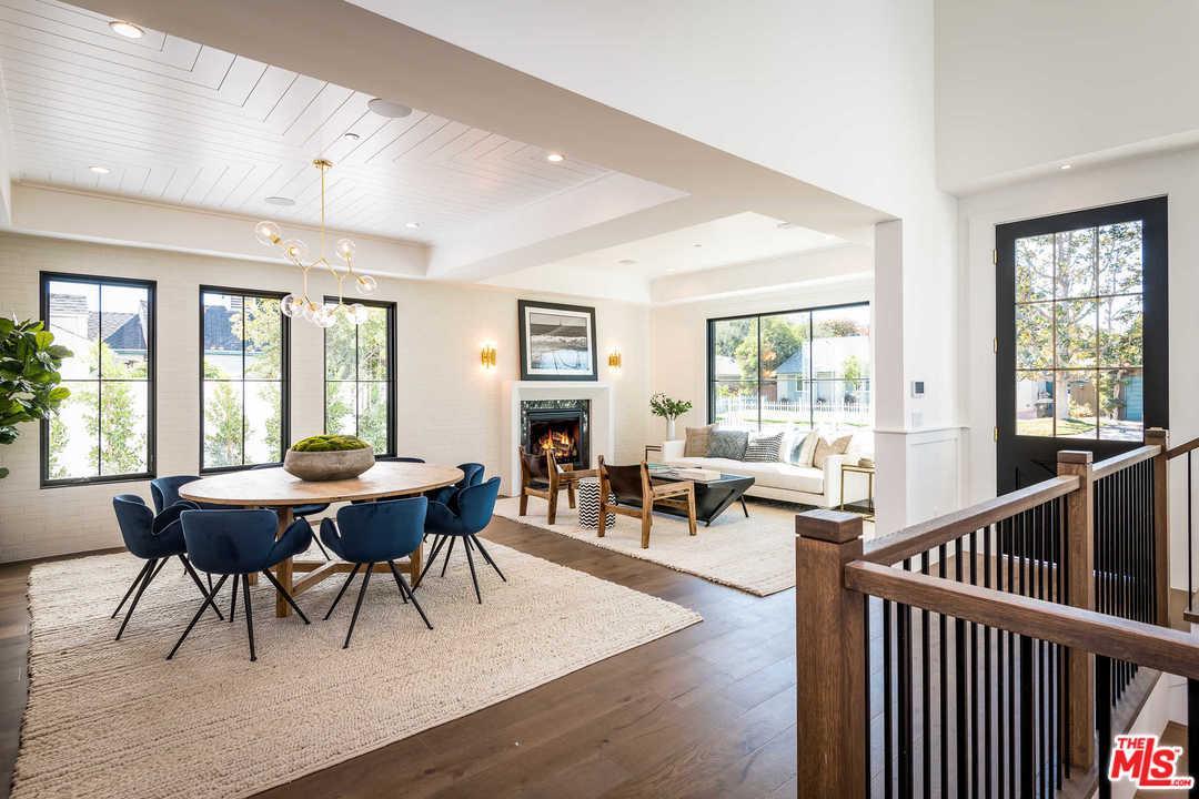 4950 MAMMOTH, Sherman Oaks, CA 91423