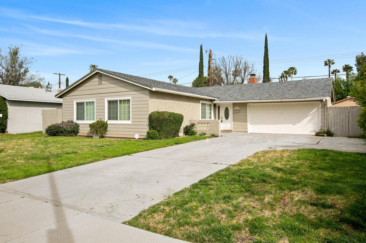 22915 BURTON, West Hills, CA 91304 - Burton Frt