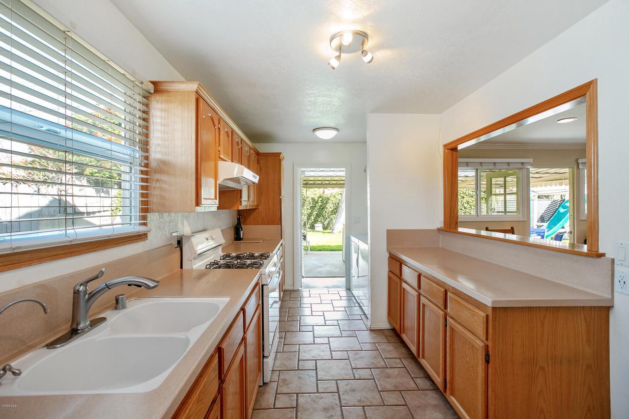 22915 BURTON, West Hills, CA 91304 - Kitchen 3