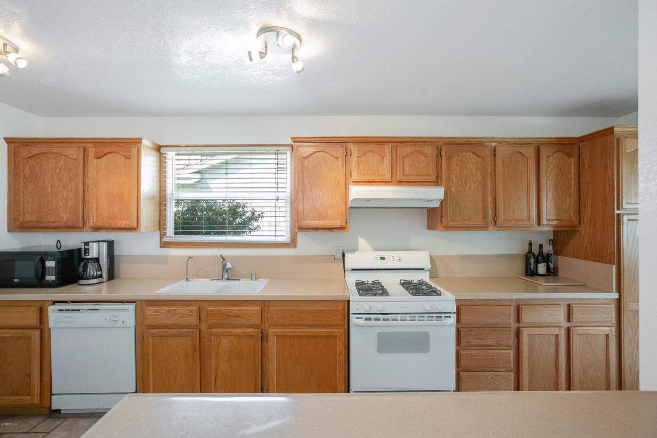 22915 BURTON, West Hills, CA 91304 - Kitchen