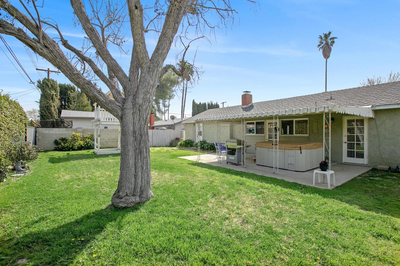 22915 BURTON, West Hills, CA 91304 - West Corner