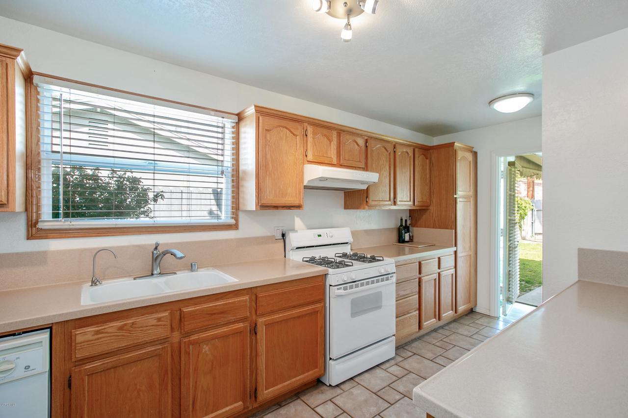22915 BURTON, West Hills, CA 91304 - Kitchen 2