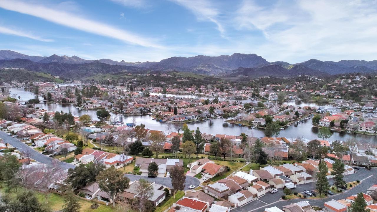 1106 GLENBRIDGE, Westlake Village, CA 91361 - Lake