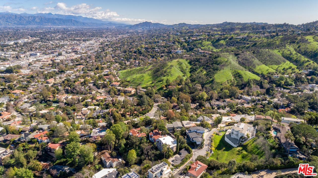 4081 CODY, Sherman Oaks, CA 91403