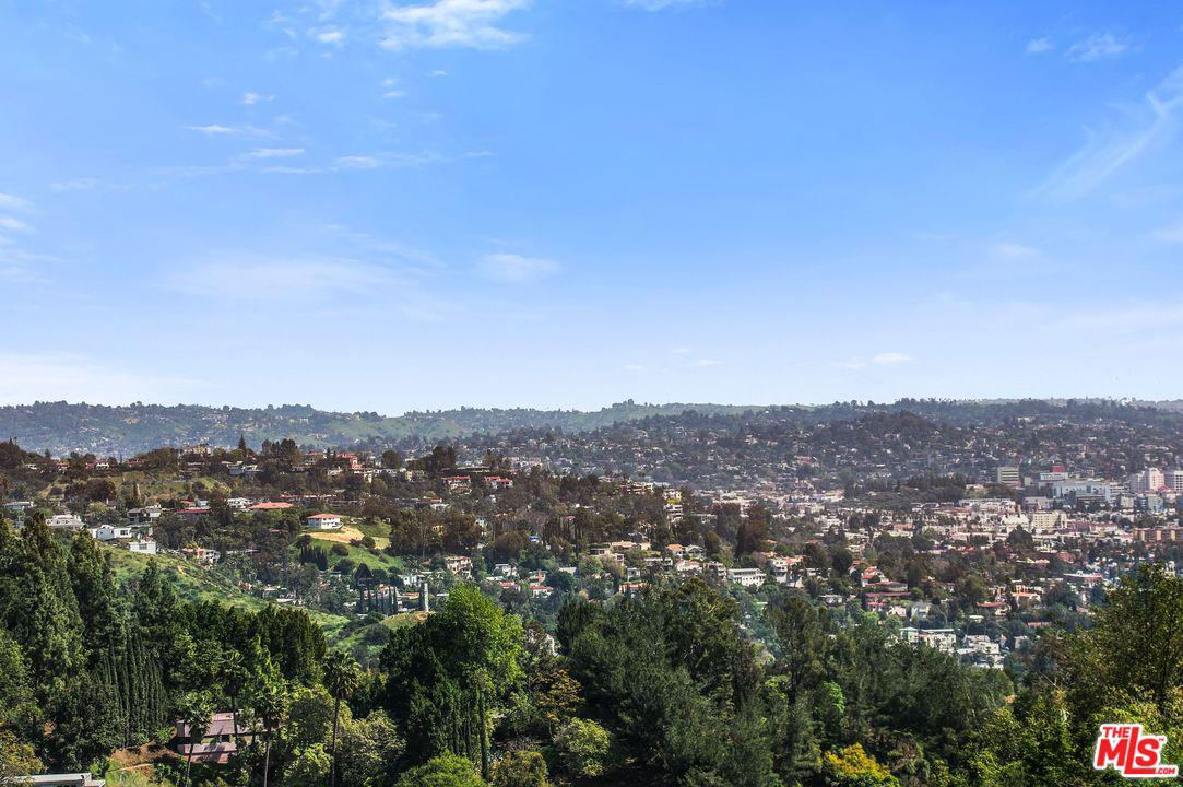 2600 CARMAN CREST, Los Angeles (City), CA 90068