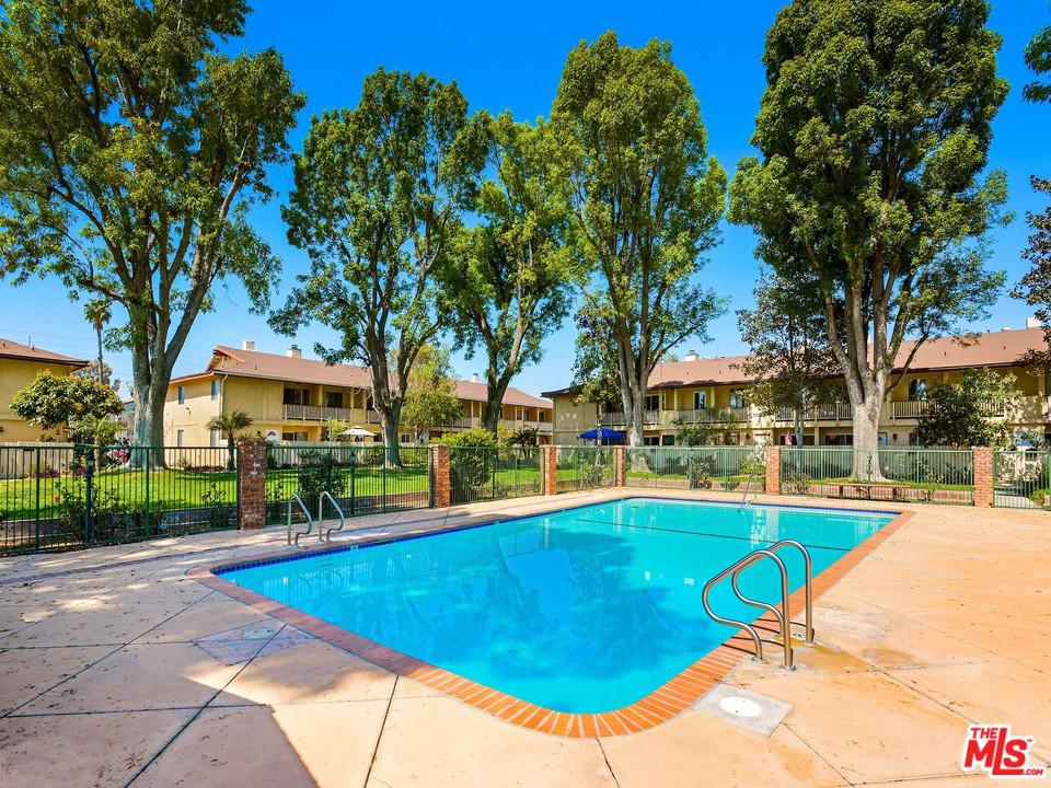 8111 CANBY, Reseda, CA 91335