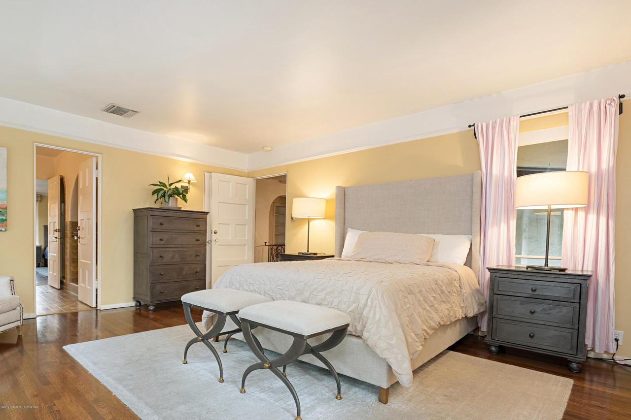 1760 RAMIRO, San Marino, CA 91108 - Girls Bedroom