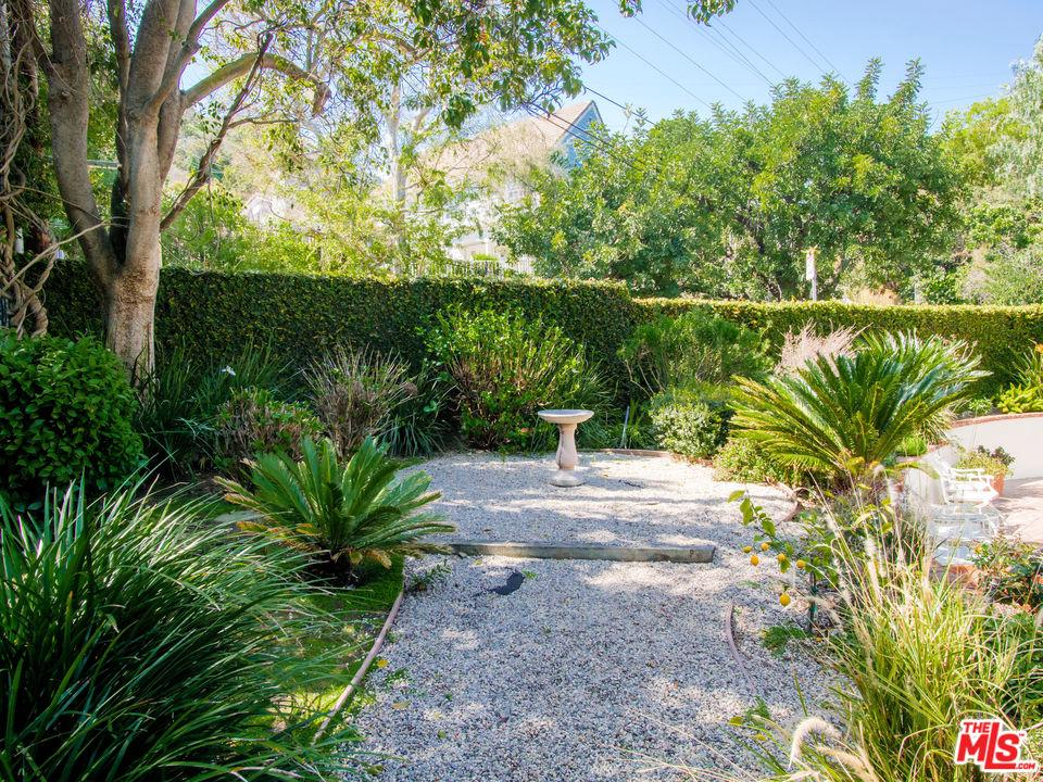 2705 OUTPOST, Los Angeles (City), CA 90068