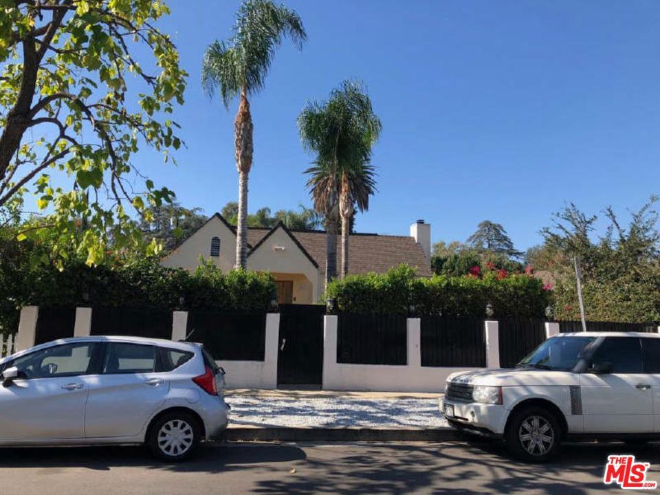 4611 SALOMA, Sherman Oaks, CA 91403