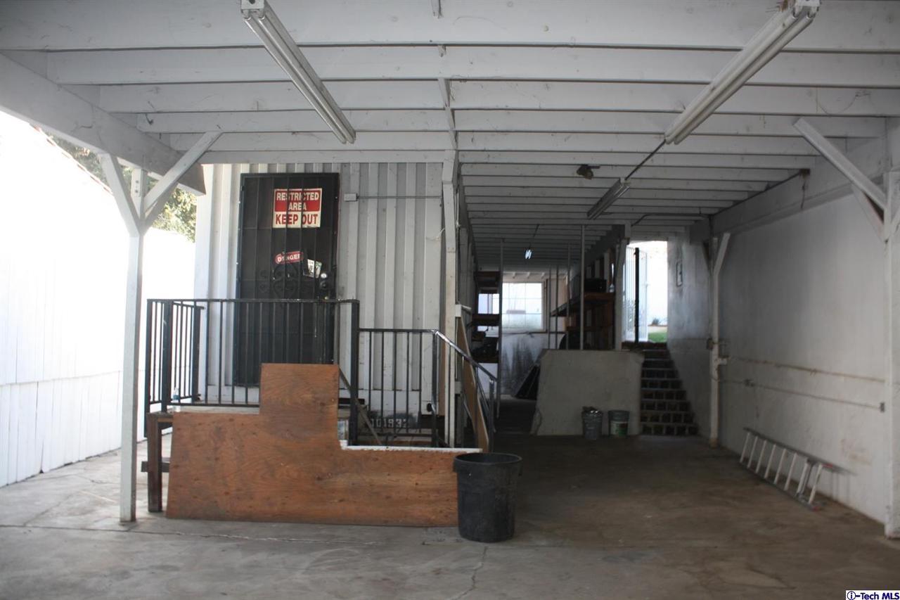 8602 LA TUNA CANYON, Sun Valley, CA 91352 - Workshop