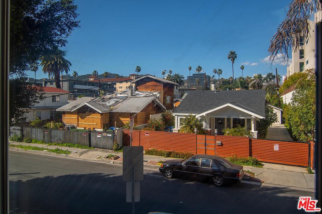 6828 DE LONGPRE, Los Angeles (City), CA 90028