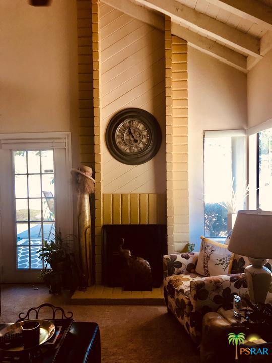 61 PORTOLA, Palm Springs, CA 92264