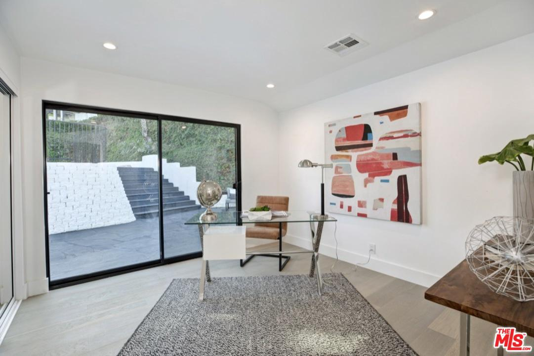 3712 BERRY, Studio City, CA 91604