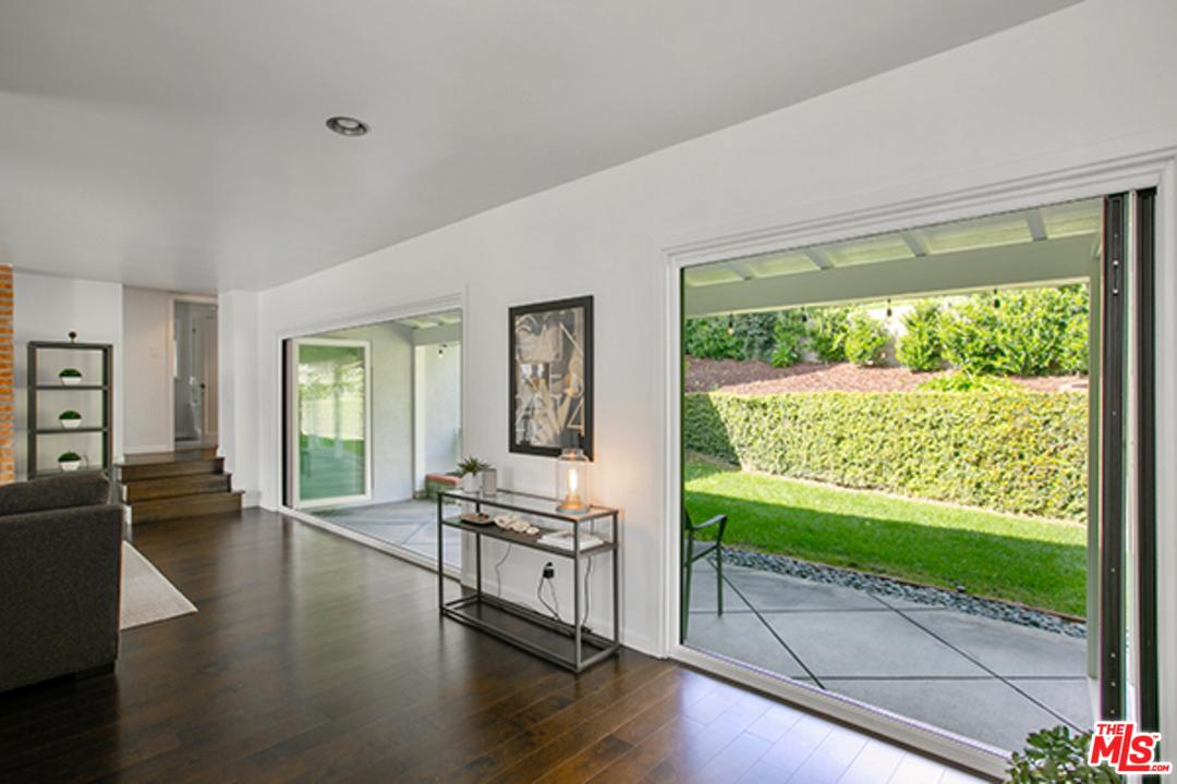 4159 CRISP CANYON, Sherman Oaks, CA 91403