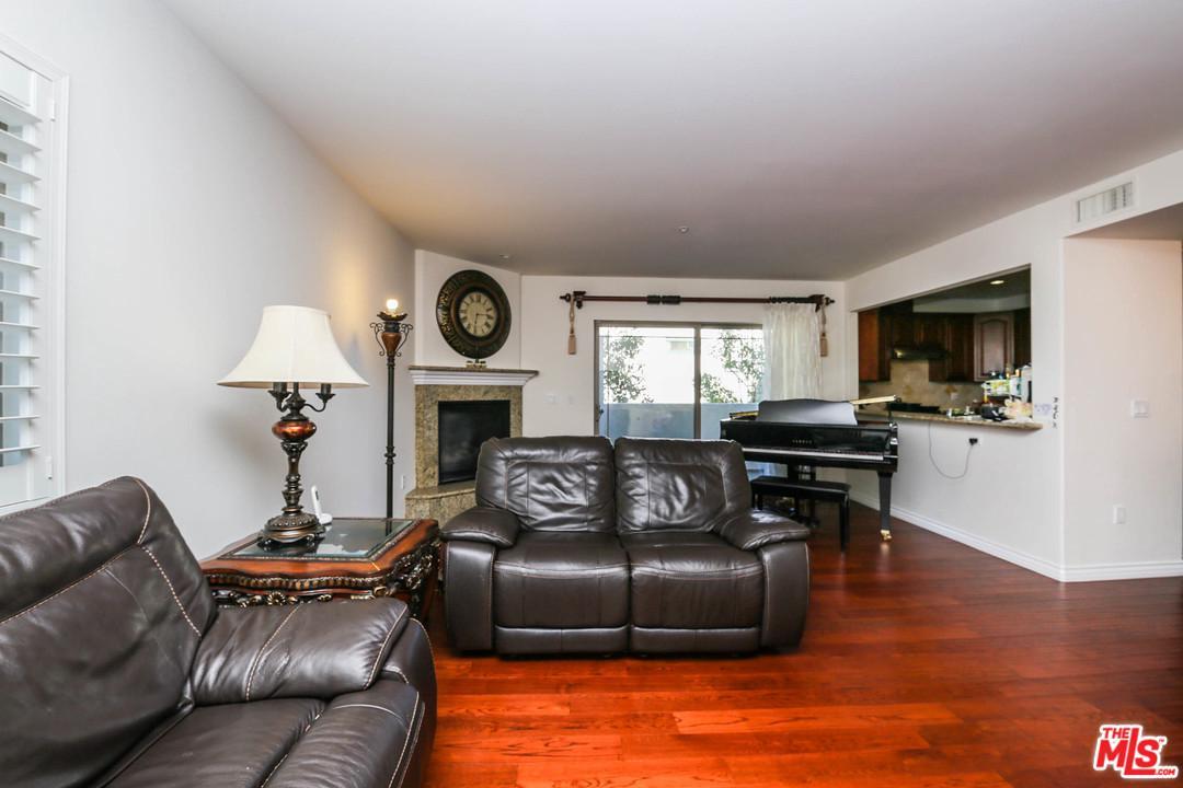4733 ELMWOOD, Los Angeles (City), CA 90004