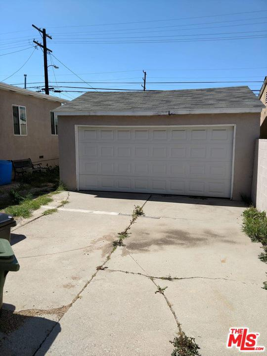 9423 HOBART, Los Angeles (City), CA 90047