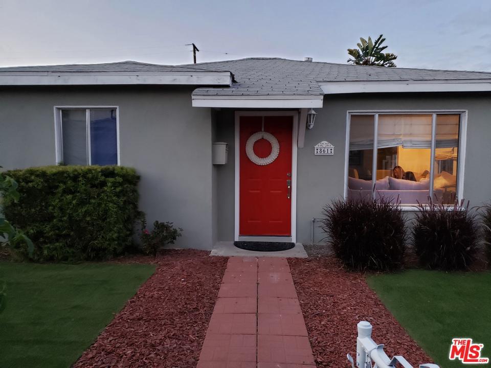 861 REALTY, Carson, CA 90745