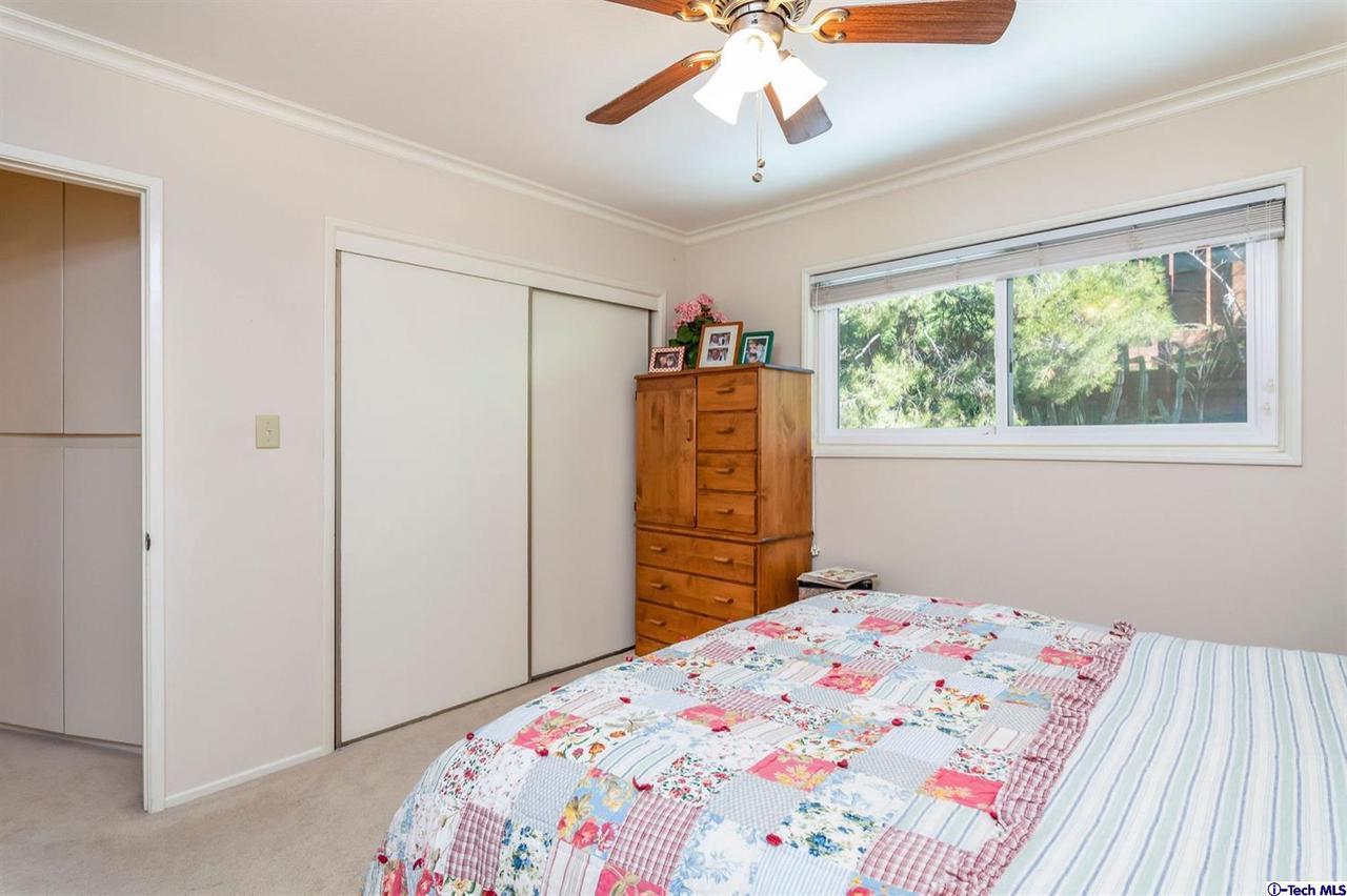 987 KIRKTON, Glendale, CA 91207