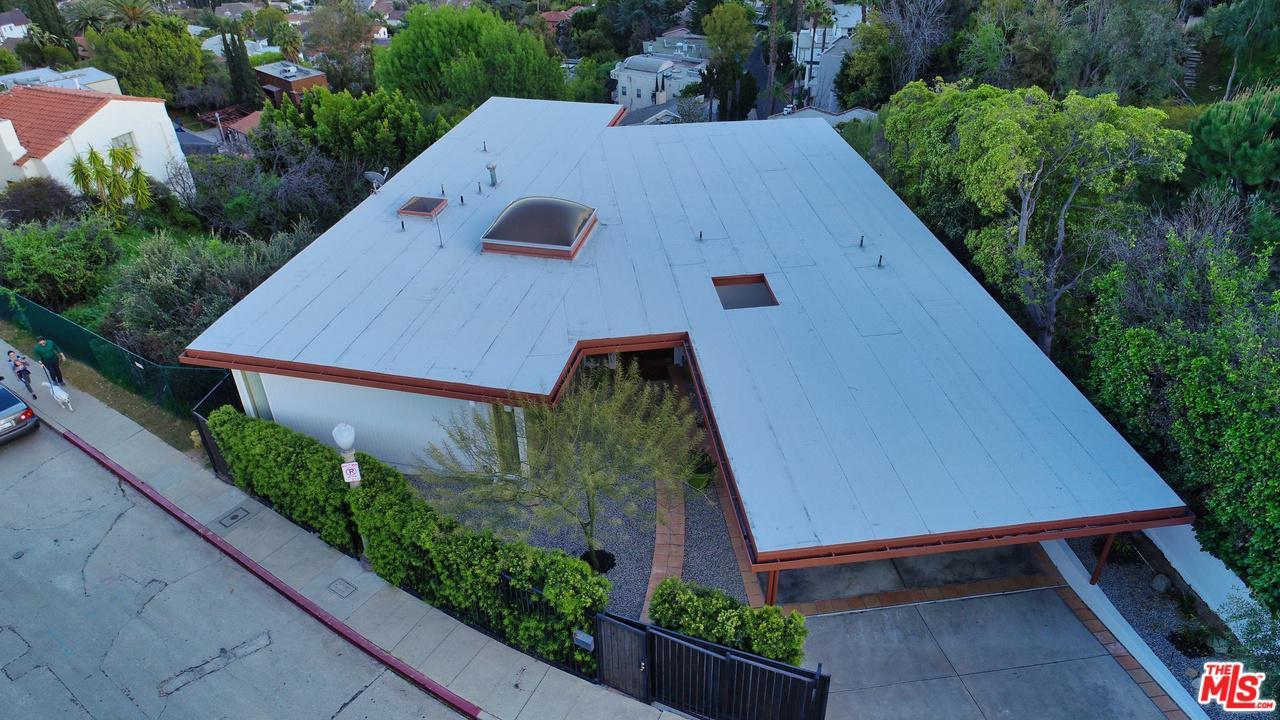 3870 CARNAVON, Los Angeles (City), CA 90027