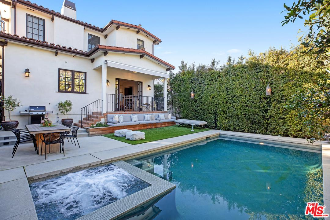 1624 COURTNEY, Los Angeles (City), CA 90046