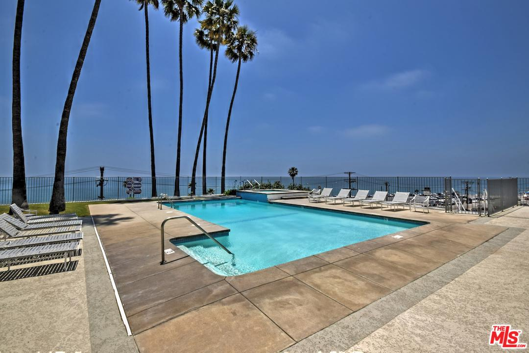 17352 SUNSET, Pacific Palisades, CA 90272