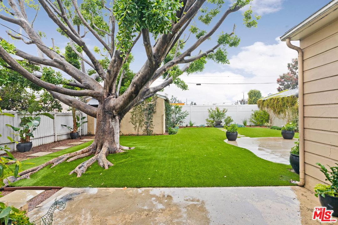 6209 AGNES, North Hollywood, CA 91606