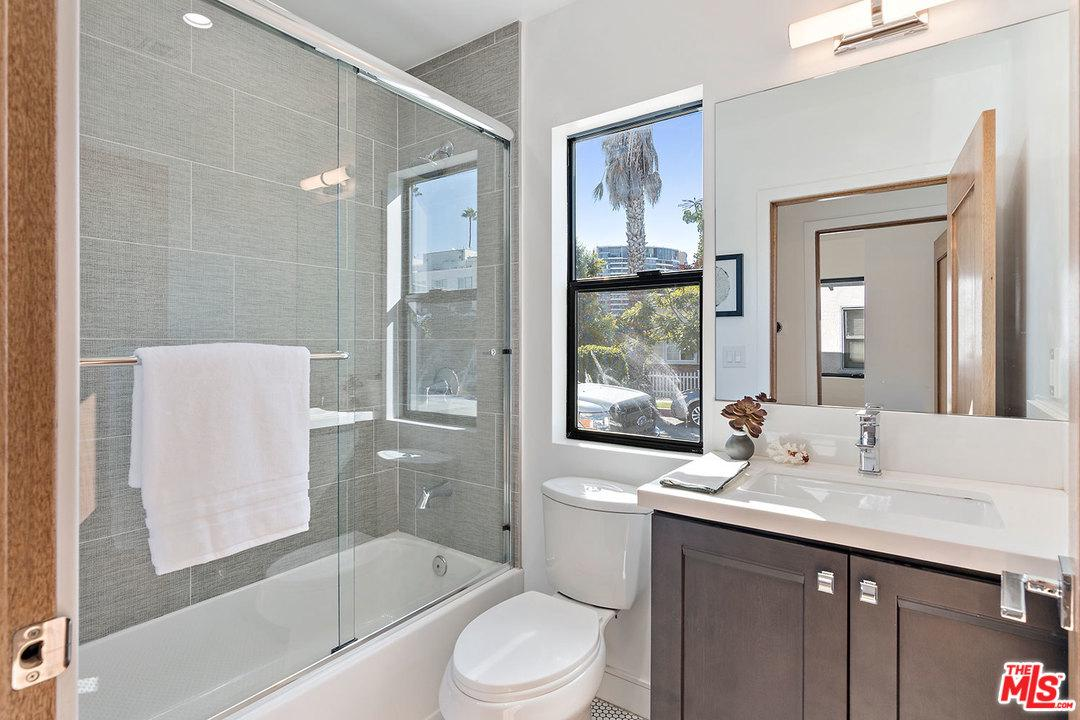 801 HOWARD, Marina Del Rey, CA 90292