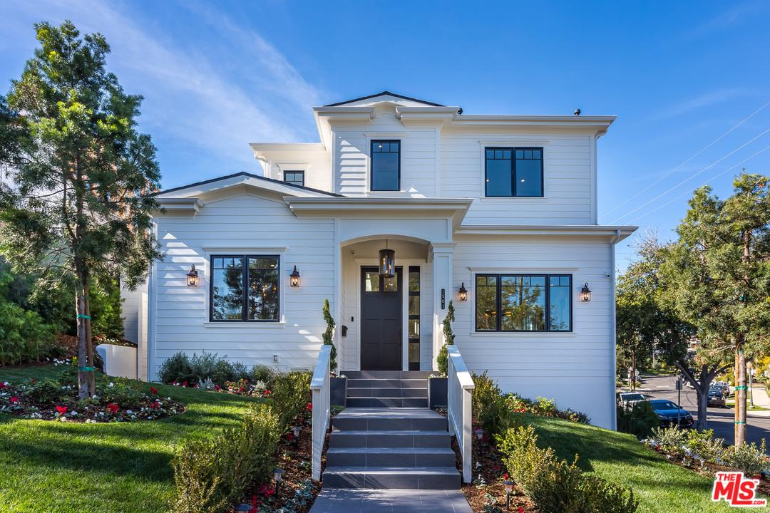 1501 PANDORA, Los Angeles (City), CA 90024